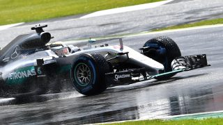 Mercedes AMG Petronas F1 Team's British driver Lewis Hamilton drives during the British Formula One Grand Prix at Silverstone motor racing circuit in Silverstone, central England, on July 10, 2016. / AFP PHOTO / ANDREJ ISAKOVIC
