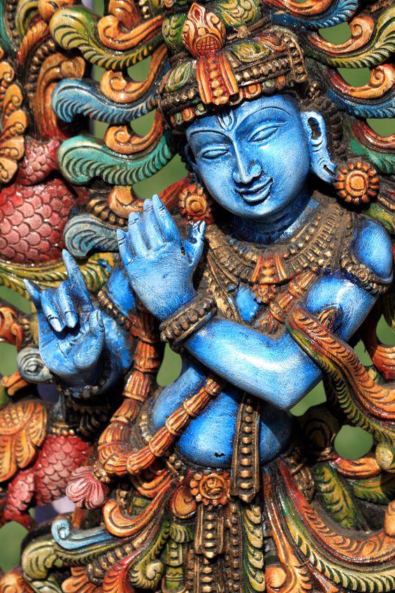 Krishna fa szobra. Fotó: 123rf