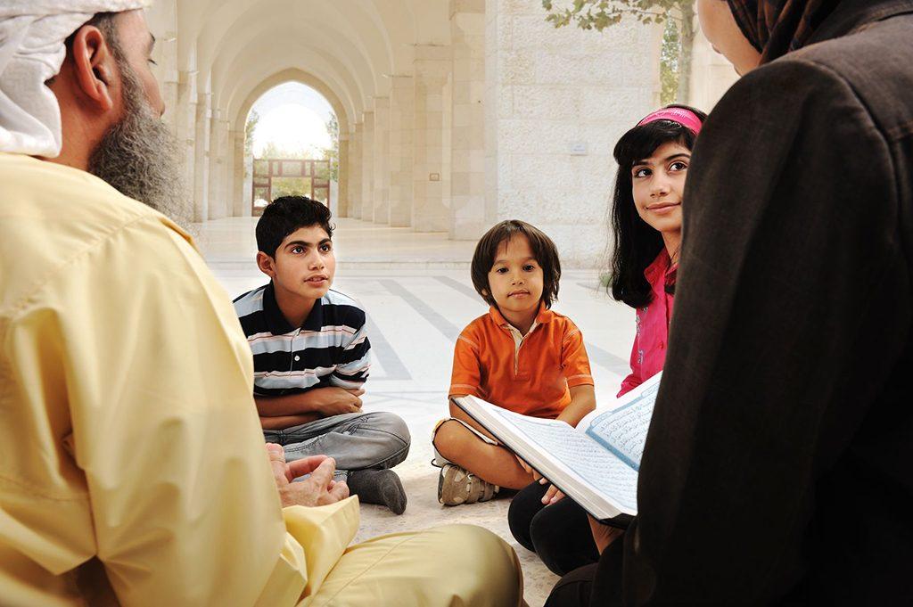 Muzulmán hitoktatás. Fotó: 123rf