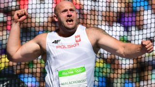 Poland's Piotr Malachowski competes in the Men's Discus Throw Final during the athletics event at the Rio 2016 Olympic Games at the Olympic Stadium in Rio de Janeiro on August 13, 2016.   / AFP PHOTO / FRANCK FIFE