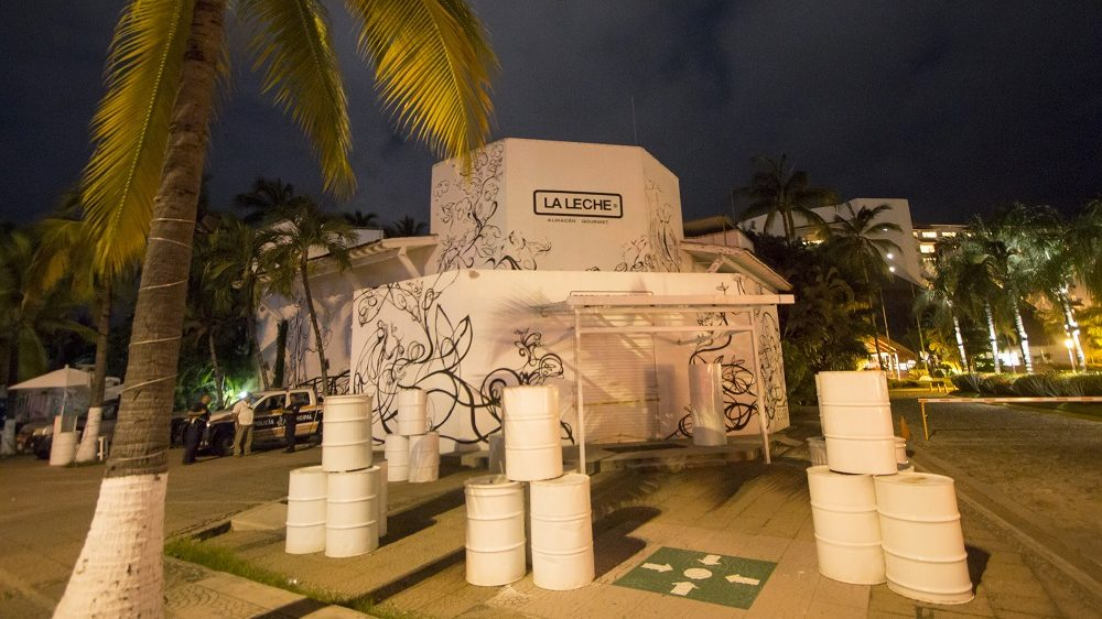 "The restaurant ""La Leche"" (the milk) is seen on August 16, 2016 in Puerto Vallarta, in the western Mexican state of Jalisco, where a Jesus Alfredo Guzman Salazar, son of drug lord Joaquin ""El Chapo"" Guzman, was among a group kidnapped, authorities confirmed Tuesday.  Seven gunmen in pickup trucks swooped on the upscale bar and restaurant around dawn and abducted several victims. Investigators said it was likely part of a settling of scores between rival drug cartels. / AFP PHOTO / HECTOR GUERRERO"