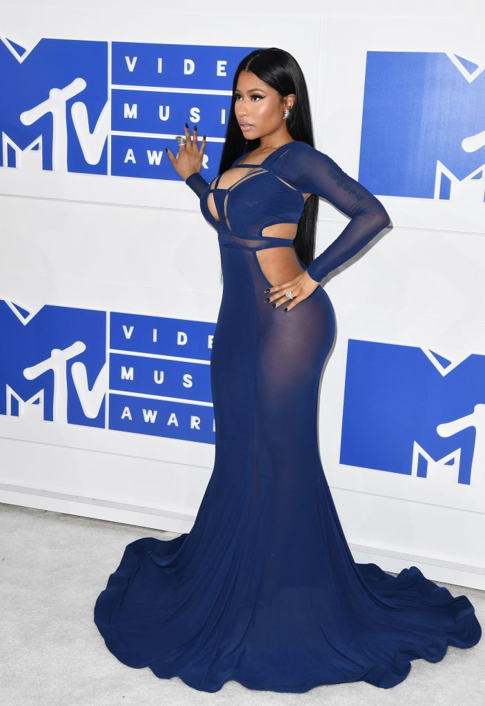 Nicki Minaj attends  the 2016 MTV Video Music Awards on August 28, 2016 at Madison Square Garden in New York. / AFP PHOTO / Angela Weiss