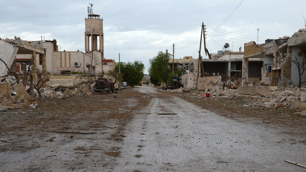 A general view shows destruction in the northern Syrian town of Saraqeb, in the Idlib province, on November 9, 2012. Syrian President Bashar al-Assad said his future could only be decided at the ballot box and denied Syria was in a state of civil war, despite fresh attacks and heavy fighting near the Turkish border. AFP PHOTO/PHILIPPE DESMAZES / AFP PHOTO / PHILIPPE DESMAZES