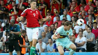 Hungary's Adam Szalai and Belgium's Jan Vertonghen fight for the ball during a soccer game between Belgian national soccer team Red Devils and Hungary, in the round of 16 of the UEFA Euro 2016 European Championships, on Sunday 26 June 2016, in Toulouse, France. The Euro2016 tournament is taking place from 10 June to 10 July. BELGA PHOTO VIRGINIE LEFOUR