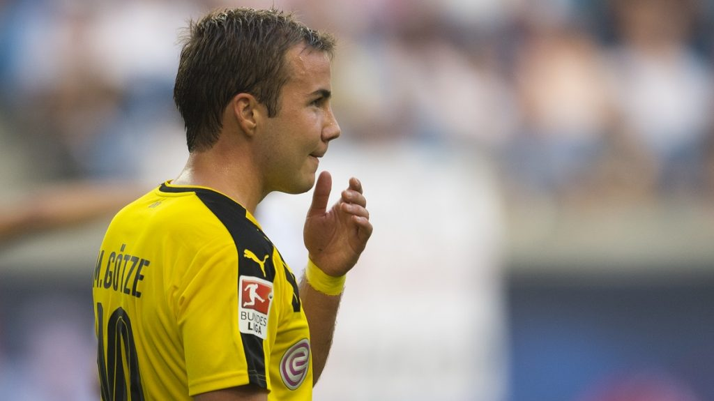 Dortmund´s midfielder Mario Goetze reacts during during the German first division Bundesliga football match between RB Leipzig and BVB Borrusia Dortmund in Leipzig, eastern Germany on September 10, 2016.  / AFP PHOTO / ROBERT MICHAEL