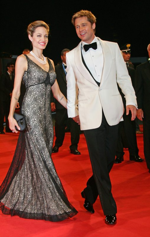 US actors Brad Pitt and Angelina Jolie arrive at the film premiere of 'The Assassination Of Jesse James By The Coward Robert Ford' at the 64th Venice Film Festival in Venice, Italy, 02 September 2007. Photo: Hubert Boesl | Verwendung weltweit/picture alliance