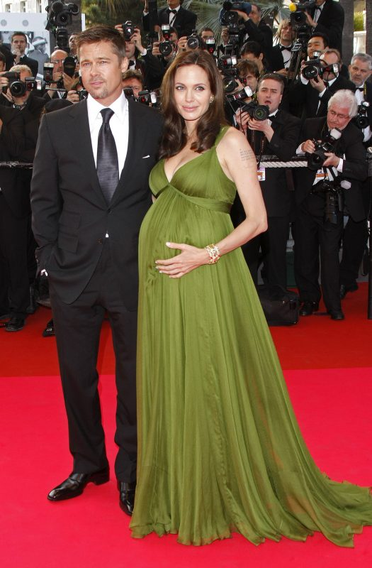 Actors Brad Pitt and pregnant Angelina Jolie arrive at the premiere of 'Kung Fu Panda' shown at the Palais des Festivals during the 61st Cannes Film Festival in Cannes, France, 15 May 2008. Photo: Hubert Boesl | Verwendung weltweit/picture alliance