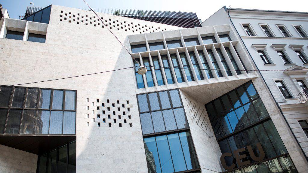 Megnyitották a Közép-európai Egyetem új épületeit Budapesten