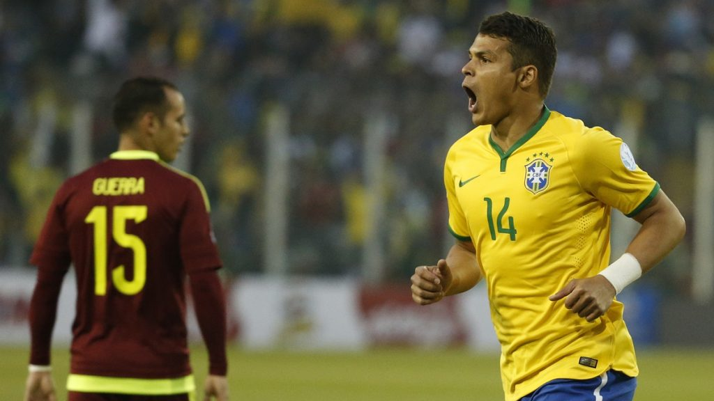 SANTIAGO, CHILE - JUNE 21: Thiago Silva of Brazil celebrates after scoring the opening goal during the 2015 Copa America Chile Group C match between Brazil and Venezuela at Monumental David Arellano Stadium on June 21, 2015 in Santiago, Chile. (Photo by Gabriel Rossi/LatinContent/Getty Images)