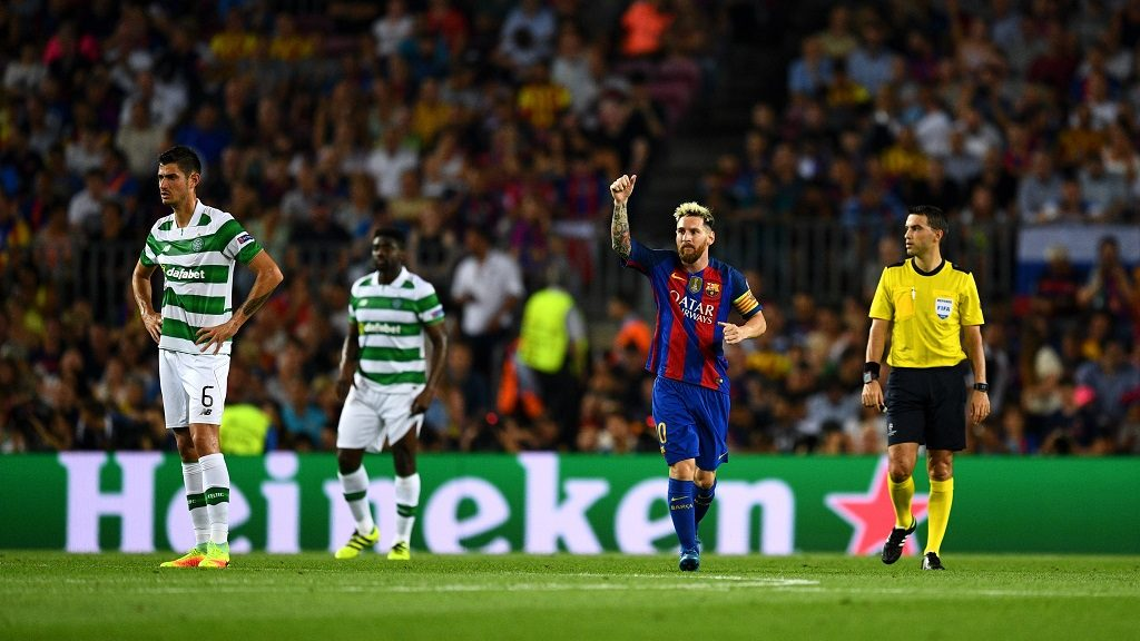 BARCELONA, SPAIN - SEPTEMBER 13:  Lionel Messi of Barcelona celebrates scoring his sides first goal during the UEFA Champions League Group C match between FC Barcelona and Celtic FC at Camp Nou on September 13, 2016 in Barcelona, Spain.  (Photo by David Ramos/Getty Images)