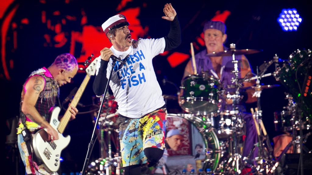 U.S Band Red Hot Chili Peppers perform at the orange stage at Roskilde festival in Roskilde, on June 29, 2016. / AFP PHOTO / SCANPIX DENMARK / Nils Meilvang / Denmark OUT