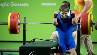 Rio de Janeiro, 2016. szeptember 8. Tunkel Nándor az erõemelõk 49 kilogrammos súlycsoportjában a Rio de janeiró-i paralimpián a Riocentro 2-es Pavilonjában 2016. szeptember 8-án. A sportoló bronzérmet nyert, ezzel megszerezte a magyar küldöttség elsõ érmét. MTI Fotó: Koszticsák Szilárd