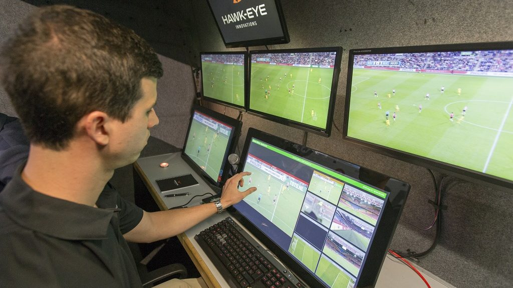 2016-09-21 19:36:57 For the first time in the world the video referee is used during official KNVB football match between dutch teams Ajax and Willem II in Amsterdam, the Netherlands, 21 September 2016. ANP JERRY LAMPEN