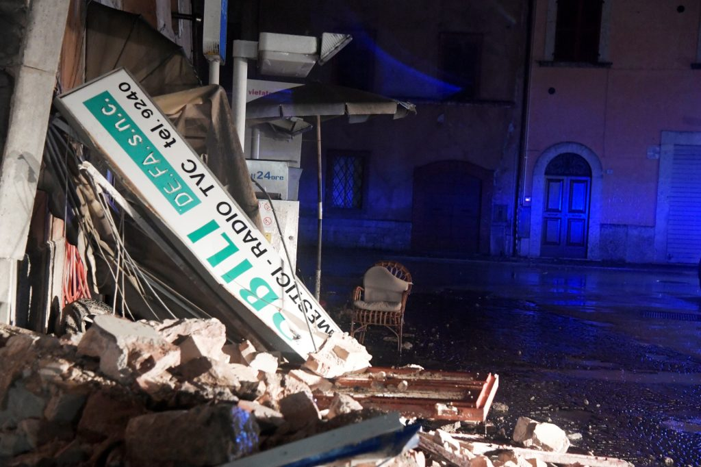 A picture shows rubbles due to earthquakes in the village of Visso, central Italy, on October 26, 2016. Twin earthquakes rocked central Italy on October 26, 2016 -- the second registering at a magnitude of 6.0 -- in the same region struck in August by a devastating tremor that killed nearly 300 people. The quakes were felt in the capital Rome, sending residents running out of their houses and into the streets. The second was felt as far away as Venice in the far north, and Naples, south of the capital. / AFP PHOTO / TIZIANA FABI