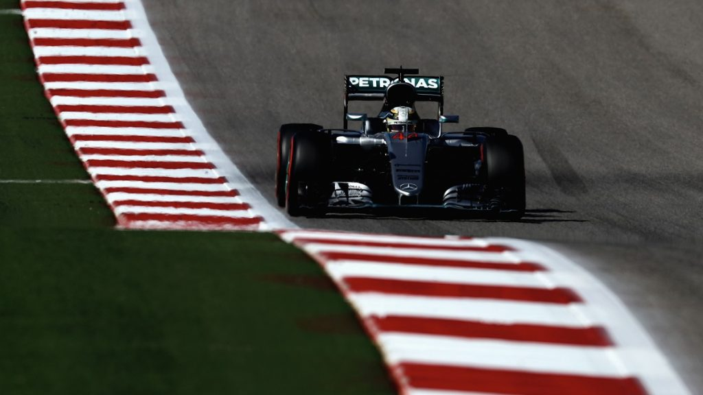 AUSTIN, TX - OCTOBER 22: Lewis Hamilton of Great Britain driving the (44) Mercedes AMG Petronas F1 Team Mercedes F1 WO7 Mercedes PU106C Hybrid turbo on track during qualifying for the United States Formula One Grand Prix at Circuit of The Americas on October 22, 2016 in Austin, United States.   Lars Baron/Getty Images/AFP