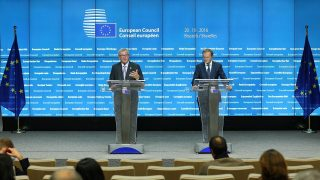 BRUSSELS, BELGIUM - OCTOBER 21 :  European Commission President Jean-Claude Juncker (L) and EU council President Donald Tusk (R) hold a press conference at the end of the first day of the European Summit in Brussels, Belgium early Friday, Oct. 21, 2016.  Dursun Aydemir / Anadolu Agency