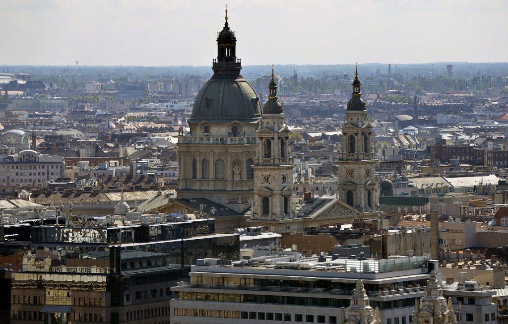 Budapest, 2014. szeptember 21. A Szent István Bazilika a Parlament kupolájáról fényképezve 2014. szeptember 21-én. MTI Fotó: Máthé Zoltán