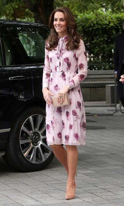 LONDON, ENGLAND - OCTOBER 10:  Catherine, Duchess of Cambridge celebrates World Mental Health Day with Heads Together at the London Eye on October 10, 2016 in London, England.  (Photo by Danny Martindale/GC Images)