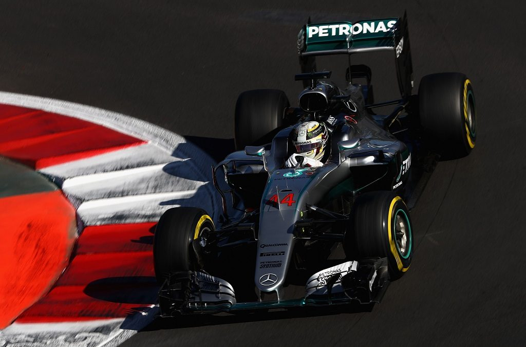 MEXICO CITY, MEXICO - OCTOBER 29: Lewis Hamilton of Great Britain driving the (44) Mercedes AMG Petronas F1 Team Mercedes F1 WO7 Mercedes PU106C Hybrid turbo on track during final practice for the Formula One Grand Prix of Mexico at Autodromo Hermanos Rodriguez on October 29, 2016 in Mexico City, Mexico.   Clive Mason/Getty Images/AFP