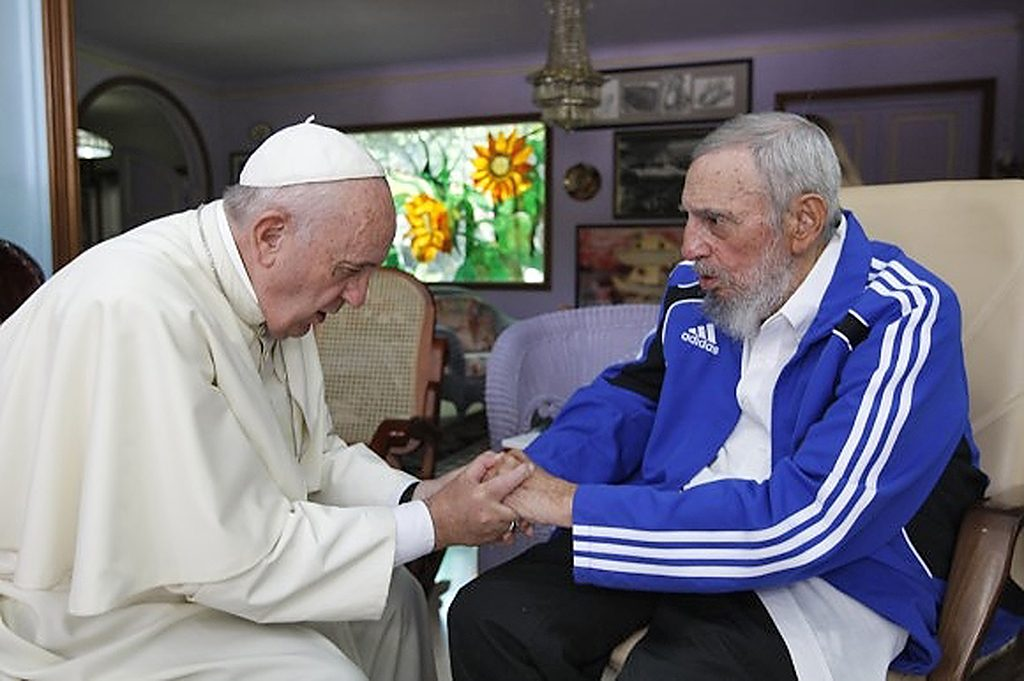 "Picture released by Cuban website www.cubadebate.cu, showing Pope Francis (L) and Cuban former president Fidel Castro holding hands during a meeting at Castro's home in Havana on September 20, 2015. Pope Francis met with Fidel Castro Sunday at the Cuban revolutionary leader's home in Havana after an outdoor mass attended by hundreds of thousands of people on the city's iconic Revolution Square. AFP PHOTO / WWW.CUBADEBATE.CU / ALEX CASTRO --- RESTRICTED TO EDITORIAL USE - MANDATORY CREDIT ""AFP PHOTO / WWW.CUBADEBATE.CU / ALEX CASTRO"" - NO MARKETING NO ADVERTISING CAMPAIGNS - DISTRIBUTED AS A SERVICE TO CLIENTS - GETTY OUT / AFP PHOTO / www.cubadebate.cu / ALEX CASTRO"