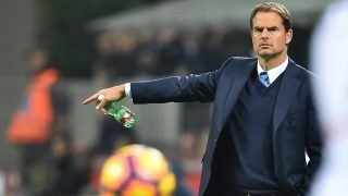 "Inter Milan's coach from Netherland Frank De Boer gestures during the Italian Serie A football match Inter Milan vs Torino at ""San Siro"" Stadium in Milan on October 26, 2016.   / AFP PHOTO / GIUSEPPE CACACE"