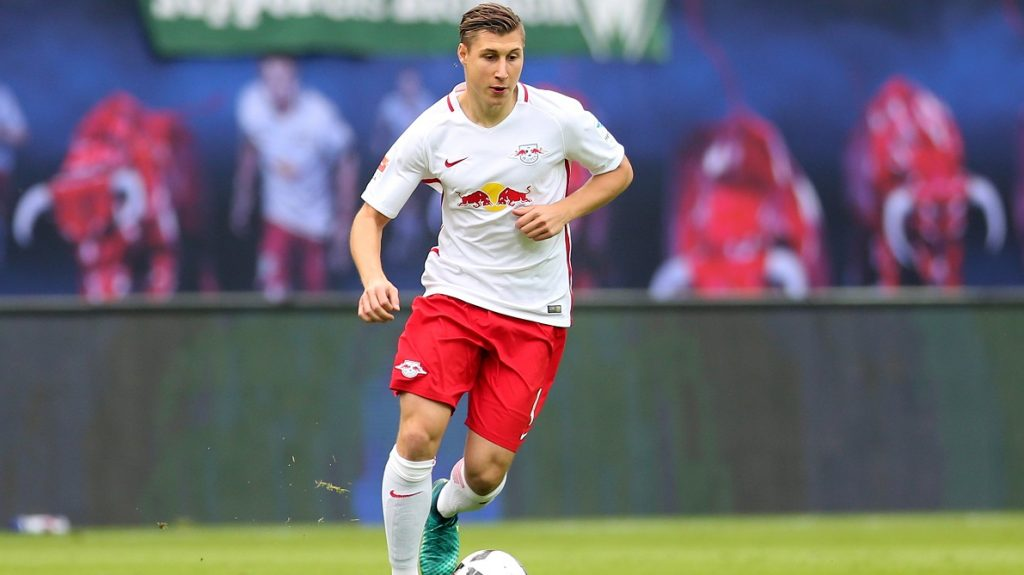 Leipzig's Willi Orban plays the ball during the German Bundesliga soccer match between RB Leipzig and Werder Bremen at the Red Bull Arenain Leipzig,Germany, 23 October 2016. PHOTO: Jan Woitas/dpa