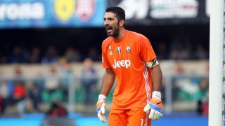 ITALY, VERONA -  NOVEMBER 6: Juventus's goalkeeper Gianluigi Buffon reacts during the Serie A football match between AC Chievo Verona v Juventus FC at Bentegodi Stadium on November 6, 2016 in Verona, Italy. (Photo by Andrea Spinelli/Corbis via Getty Images)