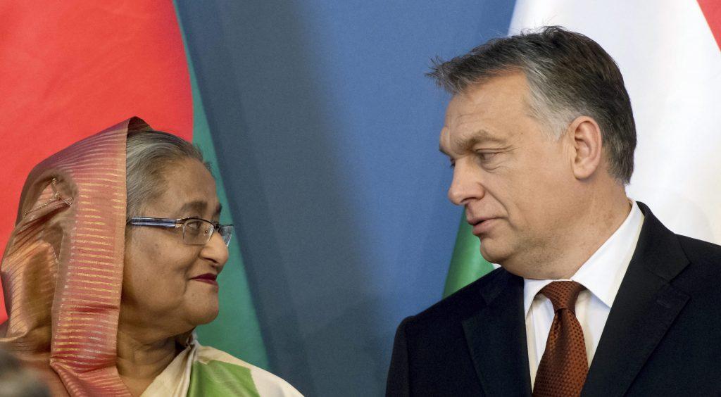 Budapest, 2016. november 29. Sejk Haszina Vazed, Banglades miniszterelnöke (b) és Orbán Viktor miniszterelnök az Országház Delegációs termében tartott sajtótájékoztatón 2016. november 29-én. MTI Fotó: Koszticsák Szilárd