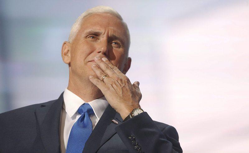 Cleveland, 2016. július 21.Mike Pence indianai kormányzó beszéde közben, miután alelnökjelöltté választották a Republikánus Párt négynapos elnökjelölt-állító konvenciójának harmadik napján az Ohio állambeli Clevelandben 2016. július 20-án. (MTI/EPA/Michael Reynolds)