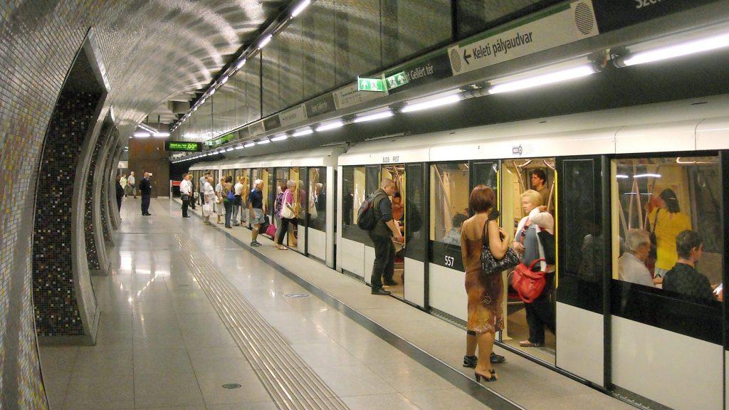 Közlekedés - Budapest - A Szent Gellért téri mélyállomás