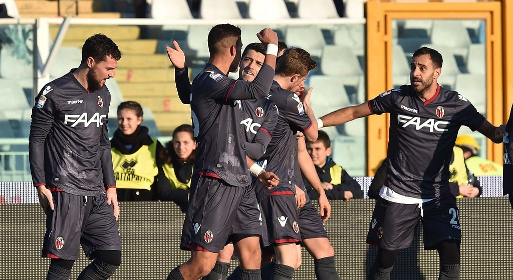 PESCARA, ITALY - DECEMBER 18: Adam Masina of Bologna FC celebrates after scoring the opening goal  during the Serie A match between Pescara Calcio and Bologna FC at Adriatico Stadium on December 18, 2016 in Pescara, Italy.  (Photo by Giuseppe Bellini/Getty Images)