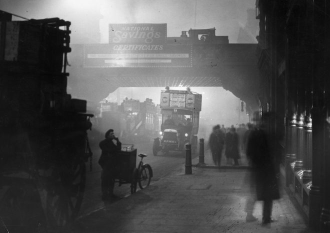 November 1922: Fog at Ludgate Circus, London. (Photo by Topical Press Agency/Getty Images)