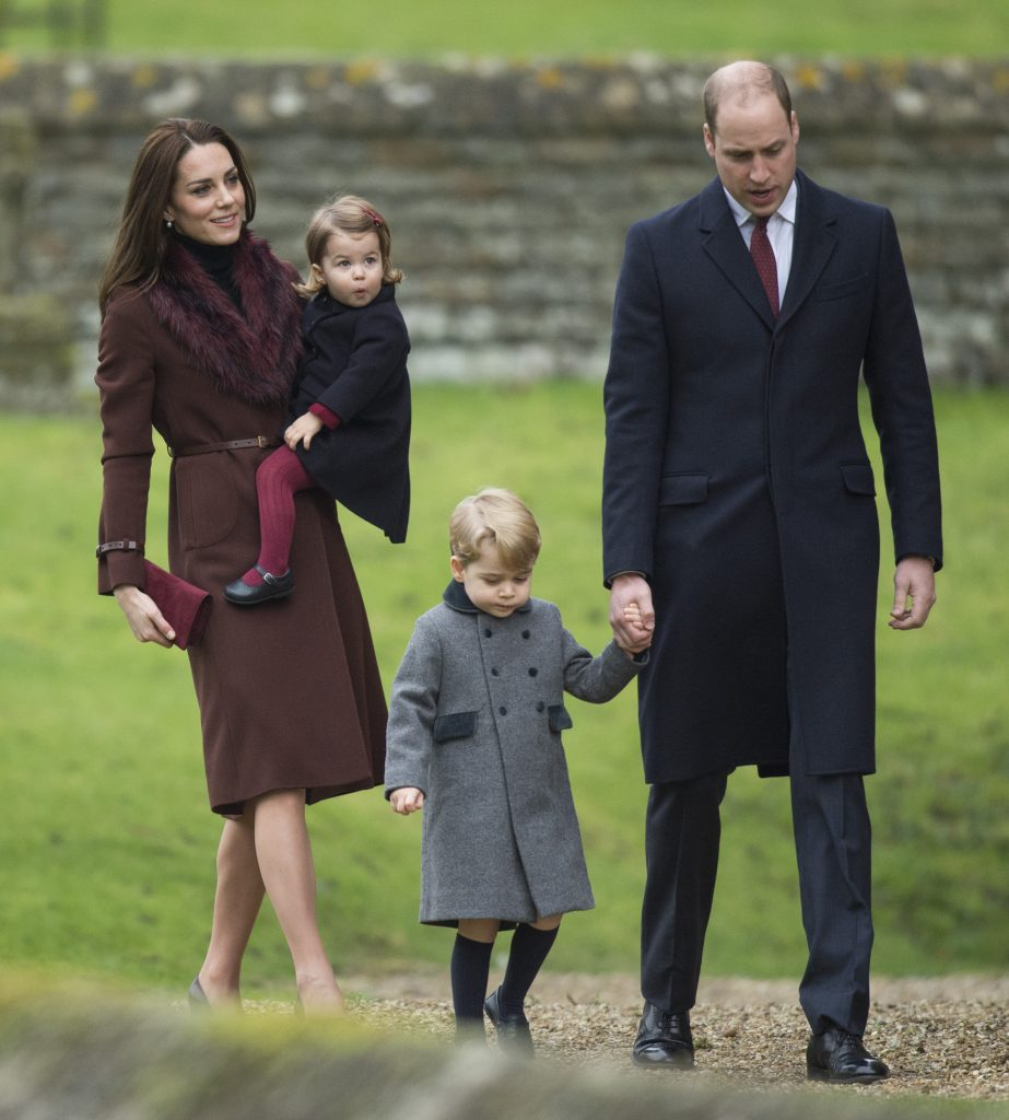 BUCKLEBURY, BERKSHIRE - DECEMBER 25: Prince William, Duke of Cambridge, Catherine, Duchess of Cambridge, Prince George of Cambridge and Princess Charlotte of Cambridge attend Church on Christmas Day on December 25, 2016 in Bucklebury, Berkshire. (Photo by Samir Hussein/Samir Hussein/WireImage)