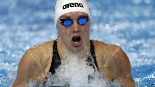 Windsor, 2016. december 6. Hosszú Katinka a rövidpályás úszó világbajnokság 400 méteres nõi egyéni vegyesúszásának elõfutamában a kanadai Windsorban 2016. december 6-án. (MTI/EPA/Patrick B. Kraemer)
