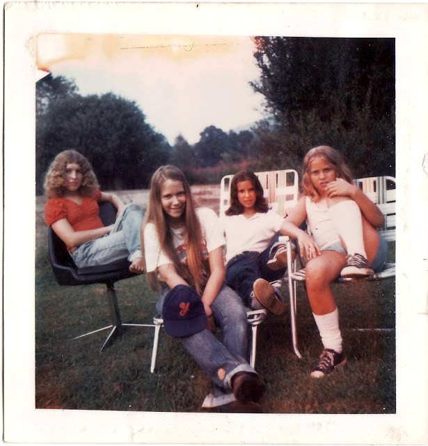 polaroid_prints_of_teen_girls_in_the_1970s_2820_29