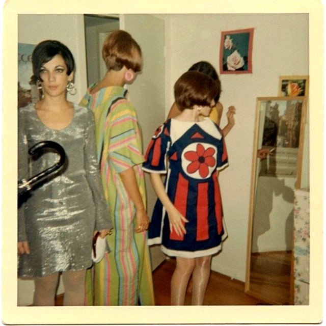 polaroid_prints_of_teen_girls_in_the_1970s_284_29