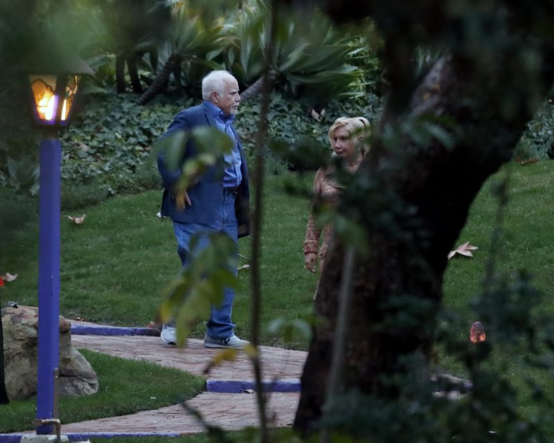 epa05700459 US actor Richard Dreyfuss (L) and wife Svetlana Erokhin (R) arrive for a private service for late US actresses Debbie Reynolds and Carrie Fisher in Beverly Hills, California, USA, 05 January 2017. Friends and family gathered for the service at the compound of Reynolds and Fisher who lived in adjacent homes. Reynolds, the mother of the late actress Carrie Fisher, died on 28 December 2016, after suffering a stroke a day after her daughter passed away.  EPA/PAUL BUCK
