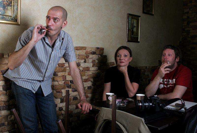 A picture taken on May 8, 2008, shows people smoking in a restaurant in Moscow. A draft law already passed by Russia's parliament banning smoking in public places. If the law is passed by the upper house and then signed by President Vladimir Putin, Russia will from 2014 have European-style bans on smoking in restaurants and bars as well as long-distance trains. AFP PHOTO / ALEXANDER NEMENOV / AFP PHOTO / ALEXANDER NEMENOV