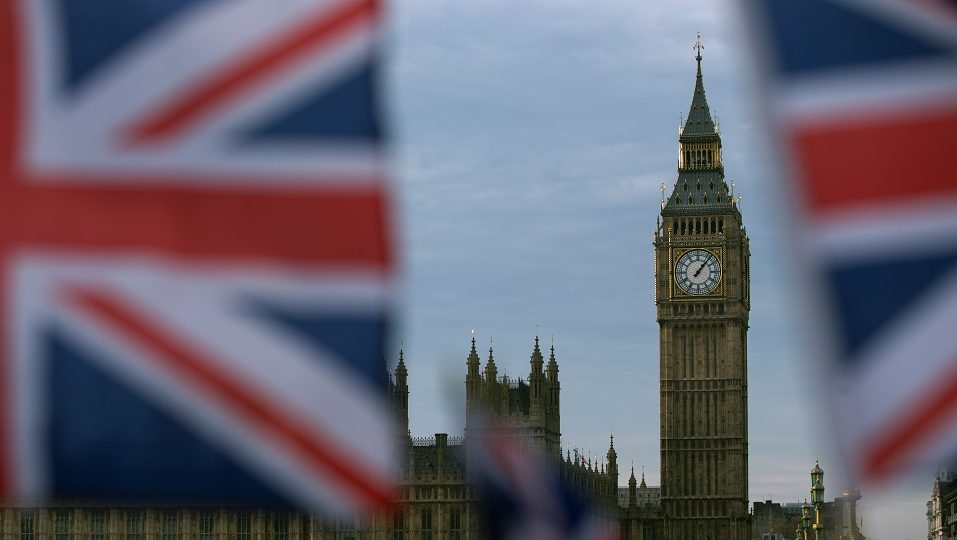 A British Union flag flies near the Elizabeth Tower, otherwise known as Big Ben, opposite the Houses of Parliament in central London on December 7, 2016. British lawmakers will be asked to vote Wednesday on Prime Minister Theresa May's plan to start Brexit by March next year in a parliamentary showdown between the government and pro-EU MPs. May has agreed to provide further details on her negotiating strategy before triggering the Article 50 exit process -- as long as MPs back her timetable and the result of the June referendum to leave the European Union. / AFP PHOTO / Daniel LEAL-OLIVAS