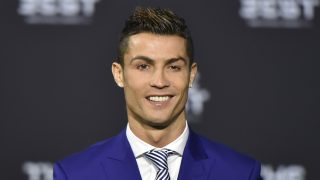 Real Madrid and Portugal's forward Cristiano Ronaldo poses as he arrives for The Best FIFA Football Awards 2016 ceremony, on January 9, 2017 in Zurich. / AFP PHOTO / MICHAEL BUHOLZER