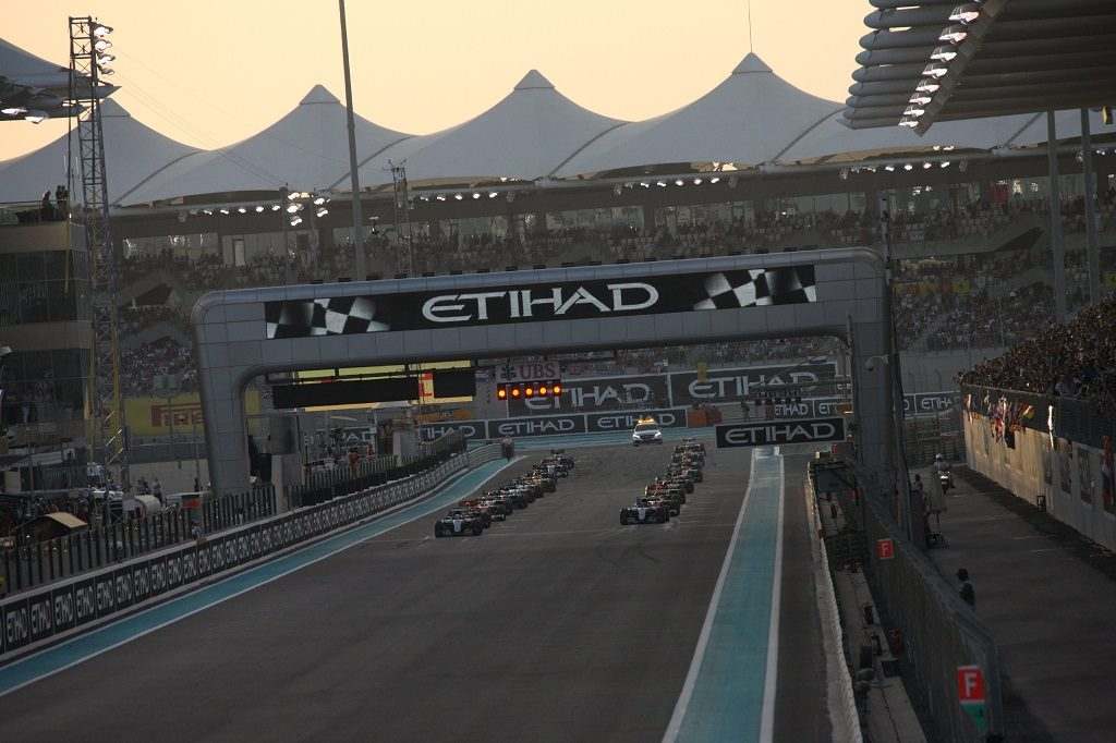 Lewis Hamilton of Great Britain drives the #44 Mercedes AMG Petronas F1 Team Mercedes F1 WO7 Mercedes PU106C Hybrid turbo into the lead at the start of Abu Dhabi Formula One Grand Prix at the Yas Marina Circuit on 27 November  2016 in Abu Dhabi, United Arab Emirates. (Photo by Rainer W. Schlegelmilch/Getty Images)
