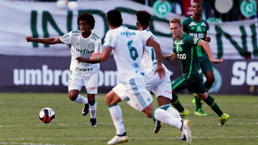 SAO PAULO, BRAZIL - JANUARY 21: Players in action during a charity match between Chapecoense and Palmeiras for the Chapecoense air crash victims, in Chapeco, Brazil, January 21, 2017.   Leonardo Benassatto  / Anadolu Agency