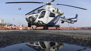 Budapest, 2017. január 26. Egy MD902 Explorer típusú helikopter a rendõrség új helikopterflottájának átadásán a Liszt Ferenc-repülõtéren 2017. január 26-án. A rendõrség az öt MD902-es gépet kapott, ezek váltják le a Mi-2-es típusúakat. A korábban beszerzett MD500-asokkal együtt kilenc amerikai helikopter teljesít februártól szolgálatot a rendõrség flottájában. MTI Fotó: Kovács Tamás