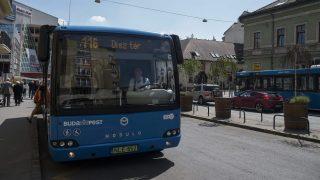 Budapest, 2016. április 30. Modulo elektromos midibusz a budapesti Fény utcában 2016. április 30-án. Ezen a napon a budavári 16A és 116-os buszvonalon forgalomba állt az elsõ öt C68E Modulo elektromos meghajtású, akadálymentes, légkondicionált midibusz, amelyet további tizenöt ugyanilyen jármû követ majd a késõbbiekben. MTI Fotó: Kallos Bea
