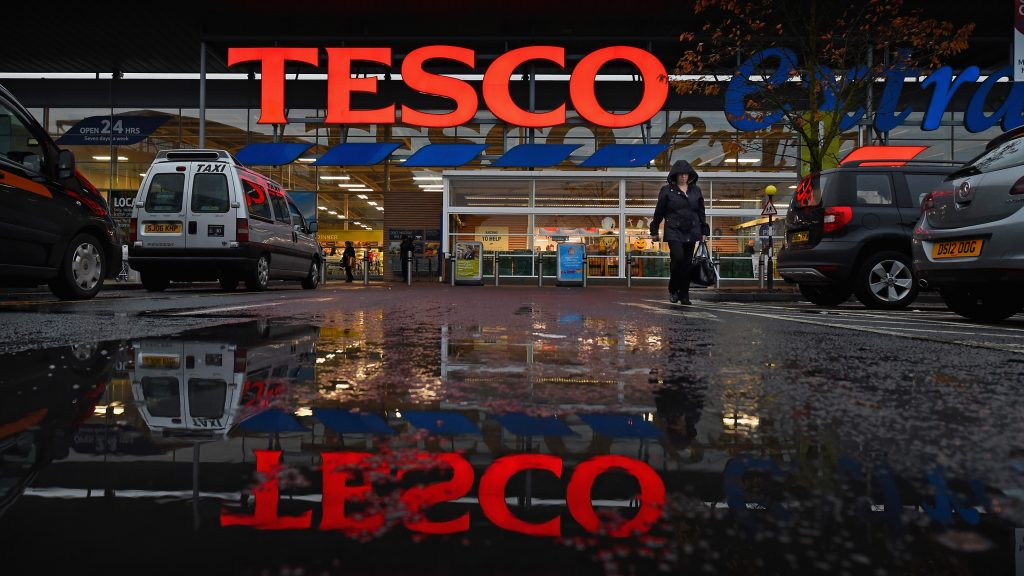 GLASGOW, SCOTLAND - OCTOBER 23:  A general view of a Tesco supermarket on October 23, 2014 in Glasgow, Scotland.Tesco one of Britains biggest supermarkets has announced a 91.9% plunge in pre-tax profits to ?112 million for the first half of the year.  (Photo by Jeff J Mitchell/Getty Images)