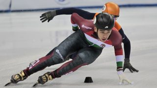 Shaolin Sandor Liu and Sjinkie Knegt during European Short Track Speed Skating Championships, in Turin, on January 14, 2017 (Photo by Loris Roselli/NurPhoto).