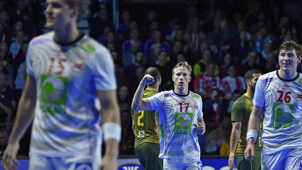 Norway's left wing Magnus Jondal (C) celebrates scoring during the 25th IHF Men's World Championship 2017 Group handball A match Norway vs Brazil on January 17, 2017 at the Parc des Expositions in Nantes.  / AFP PHOTO / LOIC VENANCE