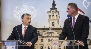 Szeged, 2017. január 30. Orbán Viktor miniszterelnök (b) és Botka László (MSZP) polgármester sajtótájékoztatót tart a Modern városok program keretében kötött együttmûködési megállapodás aláírása után a szegedi városházán 2017. január 30-án. MTI Fotó: Ujvári Sándor