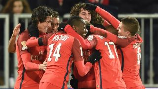Paris' players celebrate after scoring a goal during the French League Cup football match between Bordeaux (FCGB) and Paris Saint-Germain (PSG) on January 24, 2017 at the Matmut Atlantique stadium in Bordeaux, southwestern France.  / AFP PHOTO / NICOLAS TUCAT
