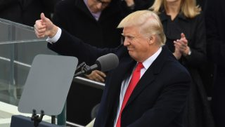 US President  Donald Trump speaks after being sworn in as President on January 20, 2017 at the US Capitol in Washington, DC. / AFP PHOTO / Mark RALSTON